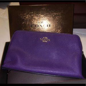 Coach -Purple Cometic Case/Clutch